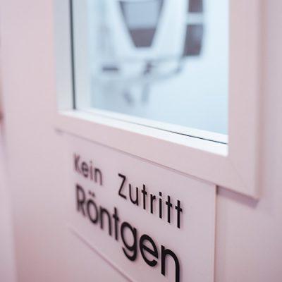 Röntgenzimmer in der Zahnarztpraxis Felgner in Leipzig.